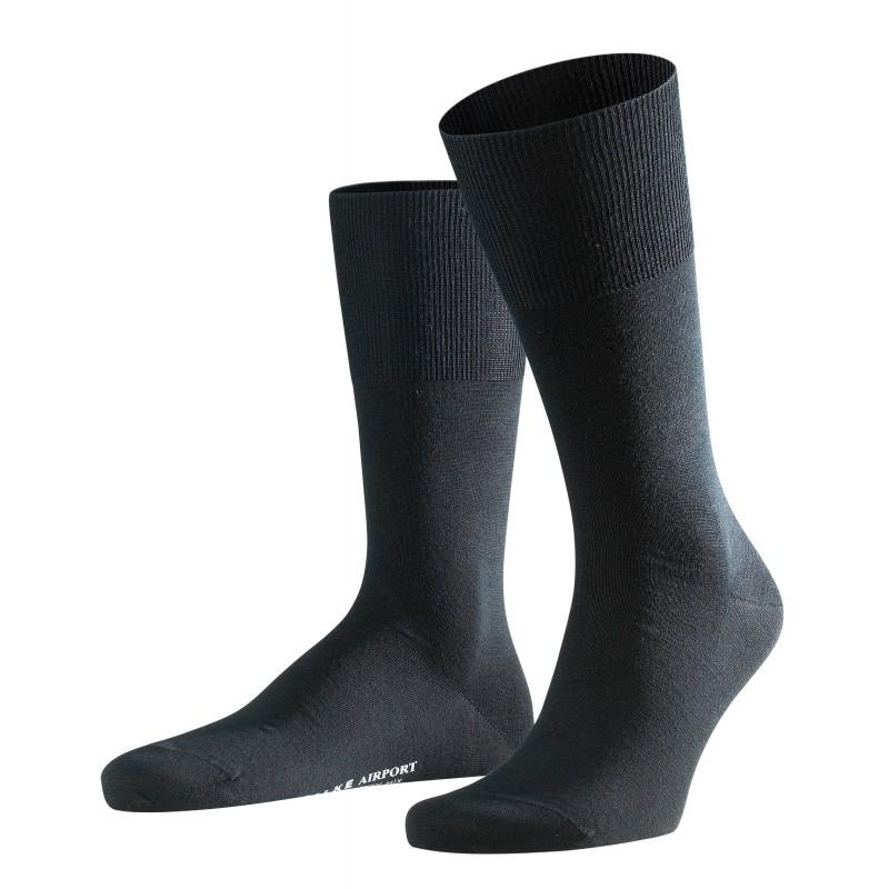 Κάλτσα Falke Airport μαύρη από παρθένο μαλλί merino στο εξωτερικό, και βαμβάκι στο εσωτερικό.