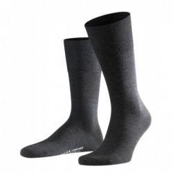 Κάλτσα Falke Airport σκούρα γκρί (anthra.mel) από παρθένο μαλλί merino στο εξωτερικό, και βαμβάκι στο εσωτερικό.
