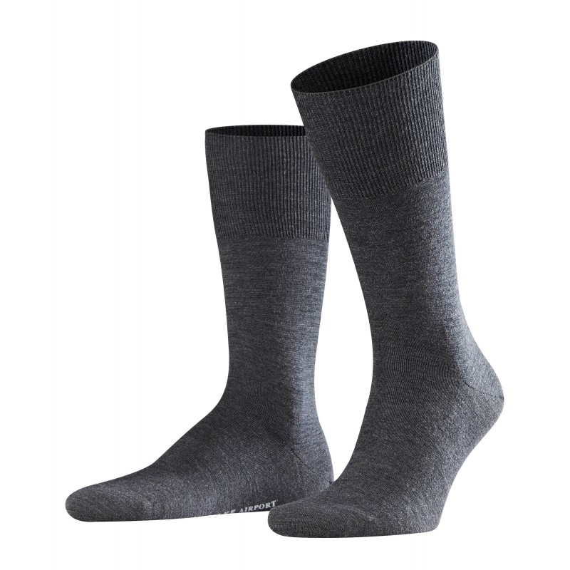 Κάλτσα Falke Airport μαύρη (asphalt.mel) από παρθένο μαλλί merino στο εξωτερικό, και βαμβάκι στο εσωτερικό.